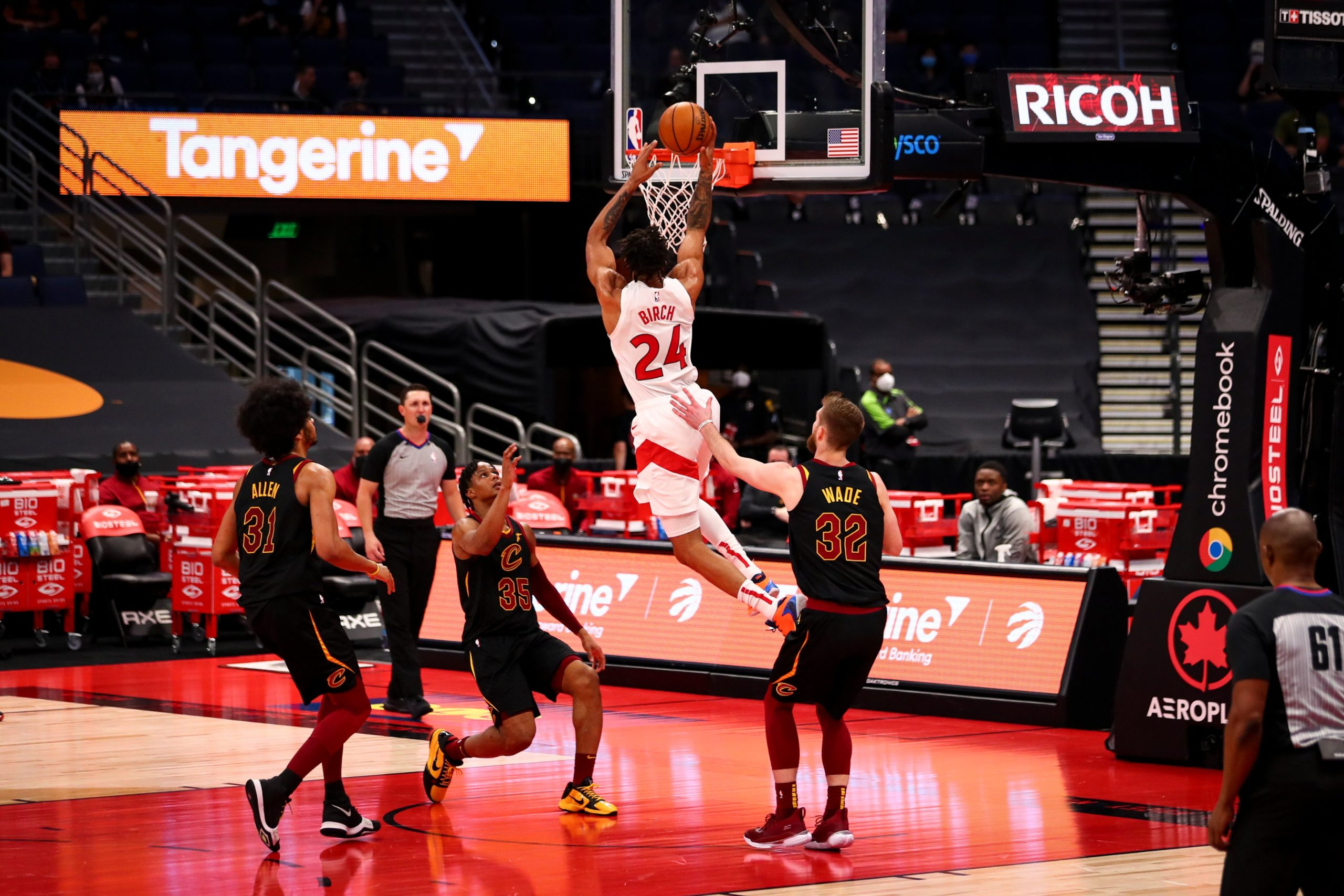 What will Khem Birch be like in the pick and roll for the Toronto Raptors?
